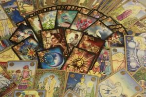 oracle-cards-437688_1280 by Glegle - pixabay.com